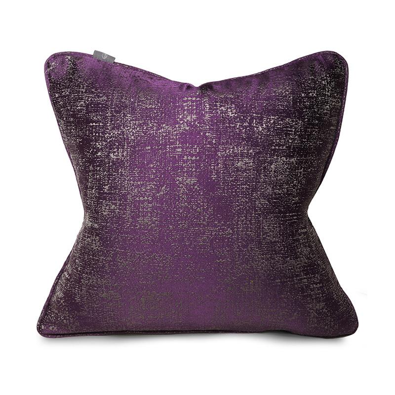 Hugo Otis Cushion Ts046 Tackler London Iris Collection