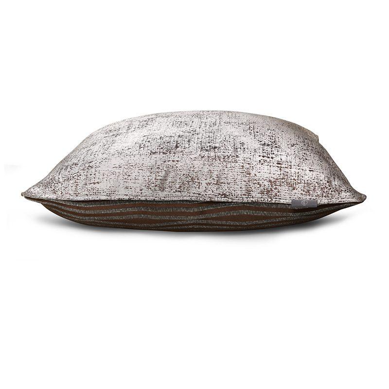 Daniel Hugo Cushion TS047